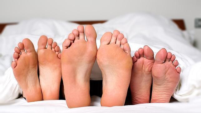 Los tríos son una de las fantasías sexuales más deseadas, aunque no patológicas
