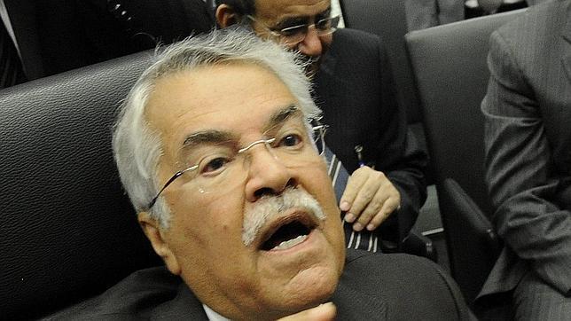 El ministro saudí de Petróleo, Ali Al-Naimi, antes del comienzo de la reunión de la OPEP
