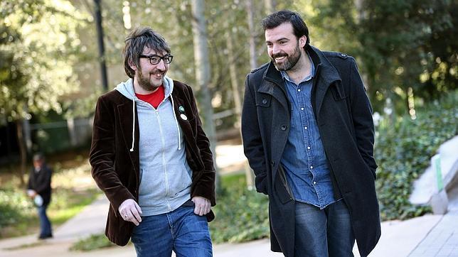 Javier Ikaz (d) y Jorge Díaz (i), autores de «Yo fui a EGB 2»