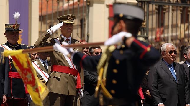 El Rey, el pasado julio en la entrega de despachos en la Academia Militar General de Zaragoza