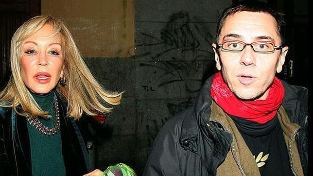 Carmen Lomana y Juan Carlos Monedero «cazados» en su primer encuentro