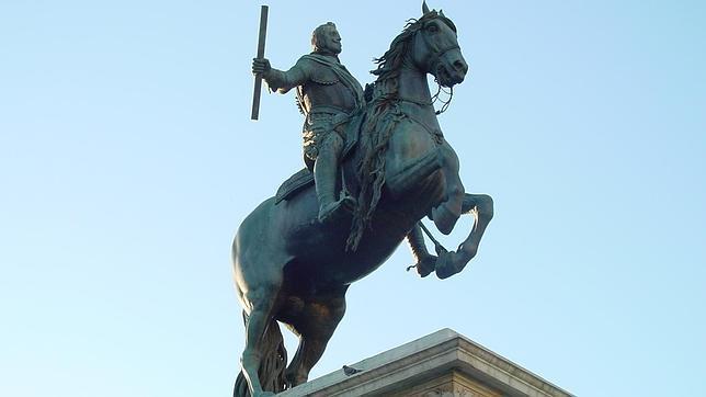 La estatuta de Felipe IV, obra de Pietro Tacca, que se ubica en la Plaza de Oriente.