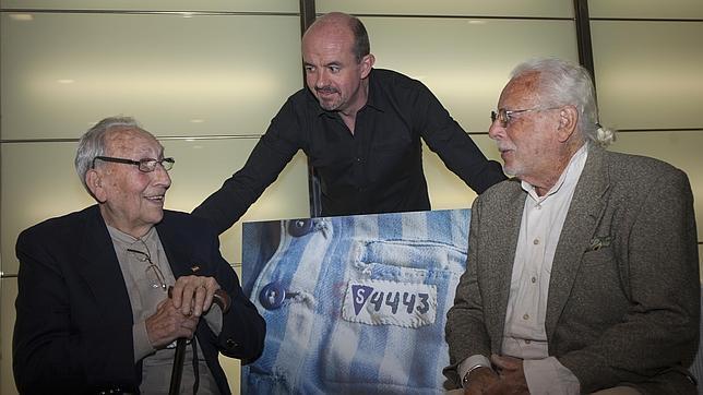 Jose Alcubierre, Carlos Hernández de Miguel, autor del libro, y Siefried Meir, ayer en Madrid