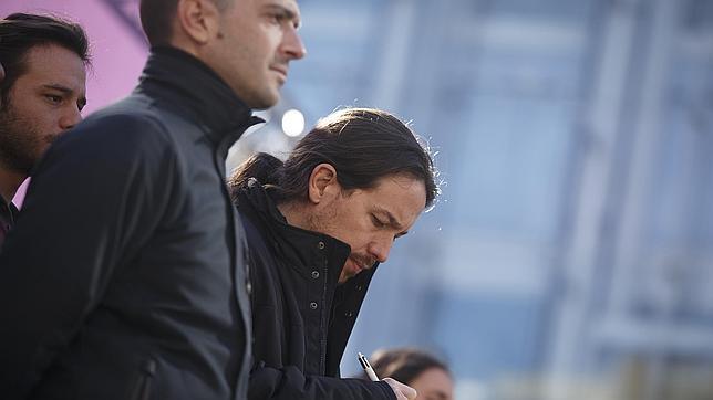 Iglesias, junto a Alegre, su portavoz en Madrid