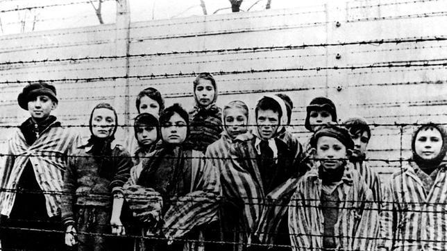 Varias prisioneras recluídas en el campo de concentración