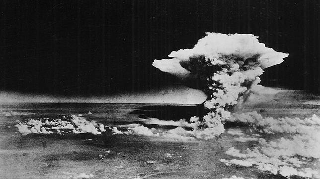 Residente en Nagasaki, se encontraba en Hiroshima de viaje cuando explotó el segundo artefacto