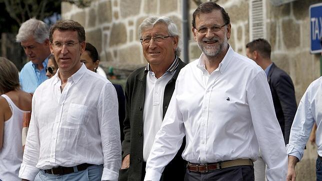 Rajoy visita Mondariz Balneario, en Pontevedra, acompañado por Feijóo