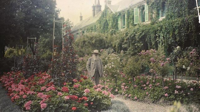 Monet en su casa de Giverny en 1921