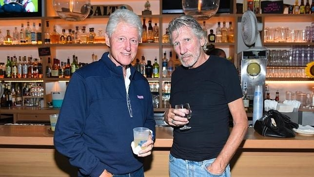Clinton y Roger Waters, de Pink Floyd