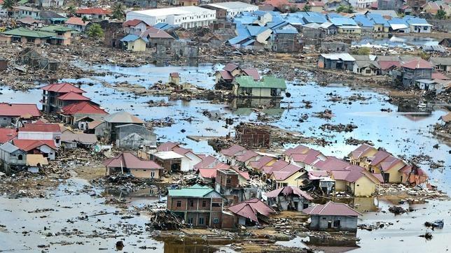 La catástrofe tras el tsunami que inundó Indonesia en 2004