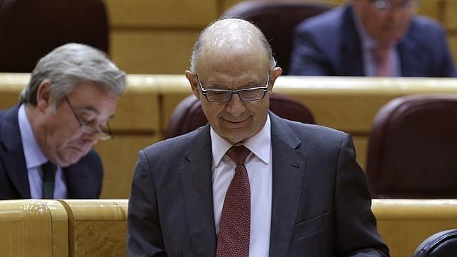 El ministro de Hacienda, Cristóbal Montoro, en el Senado