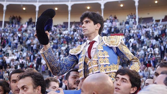 López Simón, a hombros en Las Ventas