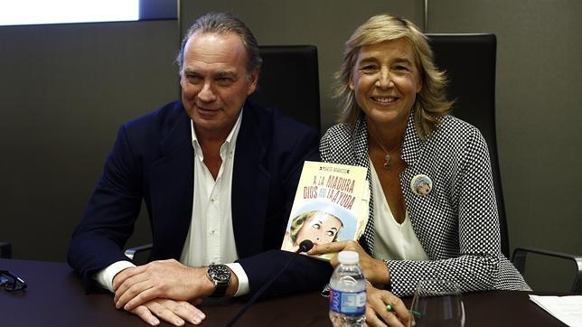Bertín Osborne y Marta Barroso antes de la presentación
