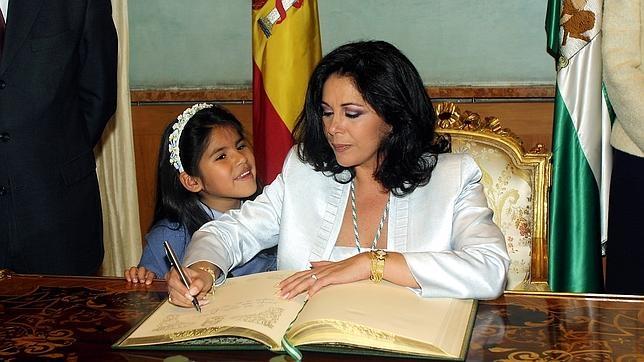 Isabel Pantoja y su hija en una foto de archivo