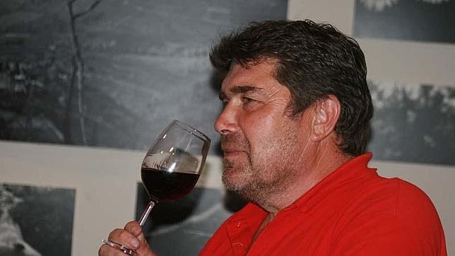 César Enríquez, propietario de Bodegas Cachín