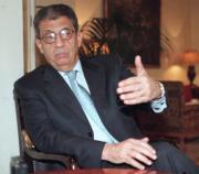 Amre Mussa, en un momento de la entrevista de ayer con ABC.Daniel G. López