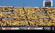 Las gradas de El Madrigal se tiñeron de «amarillo» para recibir al Villarreal el día del debut de Martín Palermo. Israel García