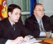 El diputado de Cooperación, Sebastián García, y el presidente Julio de España. Salvador Mata