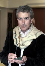 Valladares con su trofeo «Jorge Fiestas»
