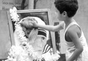 El compromiso de Madre Teresa con los con olvidados, pobres y oprimidos sigue vivo y se extiende por el mundo.AP