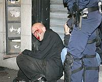Por tercera noche consecutiva los opositores a Sarkozy han protestado en varias ciudades de Francia./ EFE
