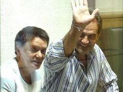 Fotografía de archivo del 17/07/08 de los etarras Dolores López Resina, 'Lola' y José Javier Arizcuren Ruiz, 'Kantauri' al comienzo del juicio contra ellos por el secuestro del industrial vasco Cosme Delclaux en 1996.