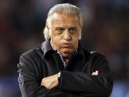 El seleccionador argentino de fútbol, Alfio Basile. /AFP