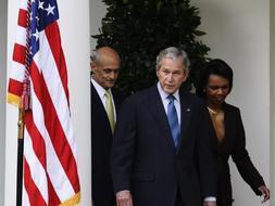 El presidente Bush insiste en que el plan de rescate funcionará./ Efe