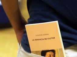 El libro se adapta al bolsillo