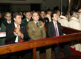 El Santo Sepulcro invistió ayer a seis nuevos caballeros y al consiliario
