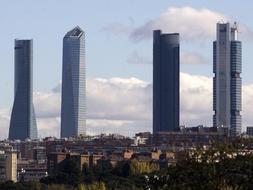 La crisis toca de lleno a las Cuatro Torres de la Castellana