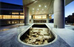 El nuevo Museo de la Acrópolis abre sus puertas mirando al Partenón