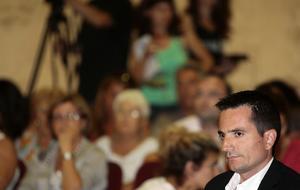 Pajín quiere que el «asalto» a Benidorm coincida con la remodelación de Camps