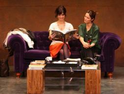 Aitana Sánchez-Gijón y Maribel Verdú, felices a bordo de «Un Dios salvaje»