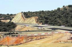 La Junta señala que su actual plan de autovías contempla 700 nuevos kilómetros