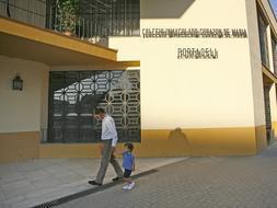 Colegio religioso para moral «inequívoca»