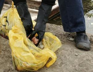 Un hospital chino tira veinte bebés muertos a un río para no enterrarlos