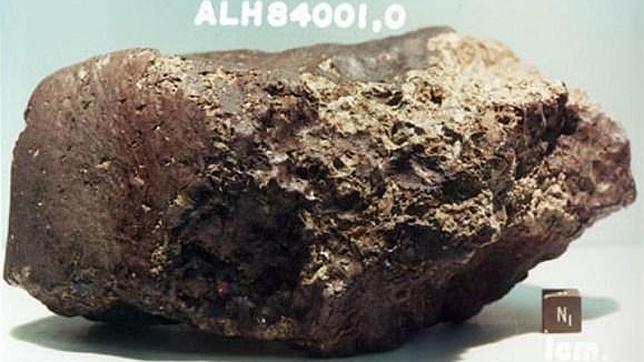 Científicos desmienten que una famosa roca marciana contenga rastros de vida