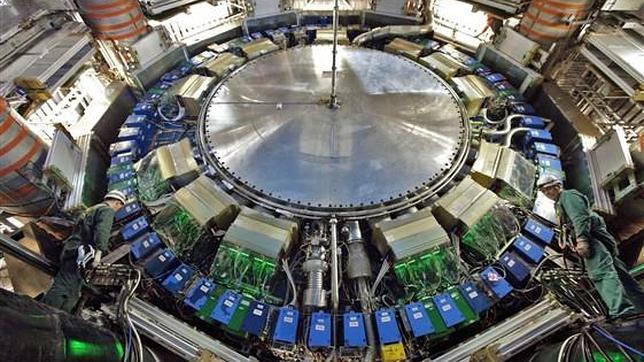 La «máquina de Dios» seguirá en marcha en 2012 en busca del bosón de Higgs