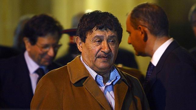 Gadafi pide a Turquía que negocie una tregua