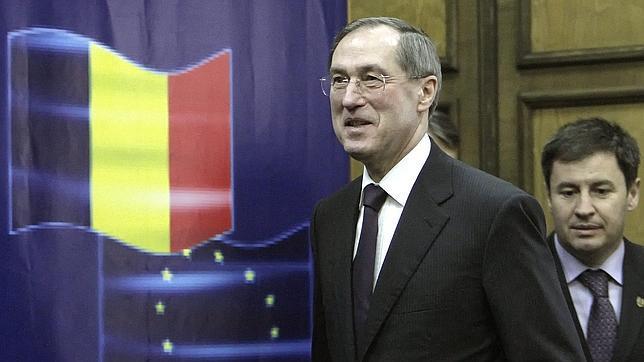 Francia insiste en que respetará las normas de inmigración que viola Italia