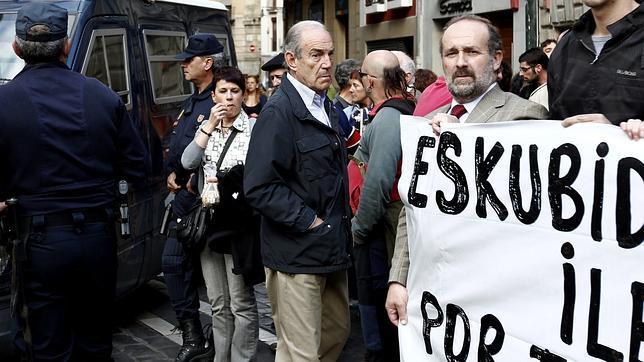 Garaikoetxea tilda de «mentira infame» su supuesta reunión con ETA para diseñar Bildu