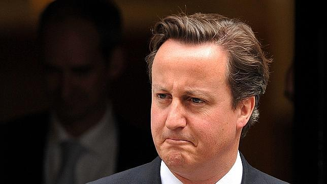 Cameron pide una investigación sobre prensa, televisiones y políticos