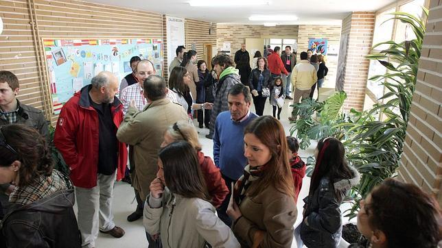 La participación alcanza el 59,33% en Castilla y León a las 18 horas, 4,61 puntos menos que en 2008