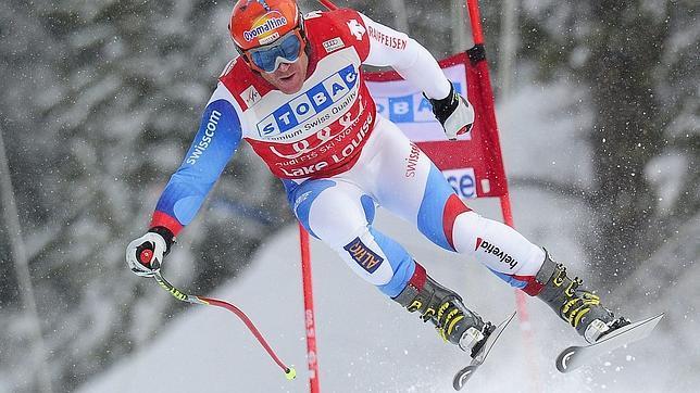 Didier Cuche, «el abuelo del esquí», arrasa en Lake Louise