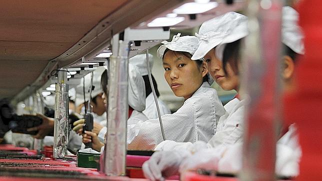 «Tu iPhone está fabricado por trabajadores de 13 años que trabajan 16 horas al día»