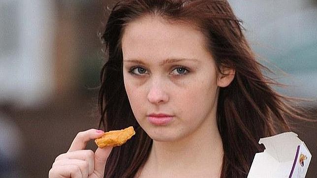 Una joven adicta a los «nuggets» estuvo a punto de morir