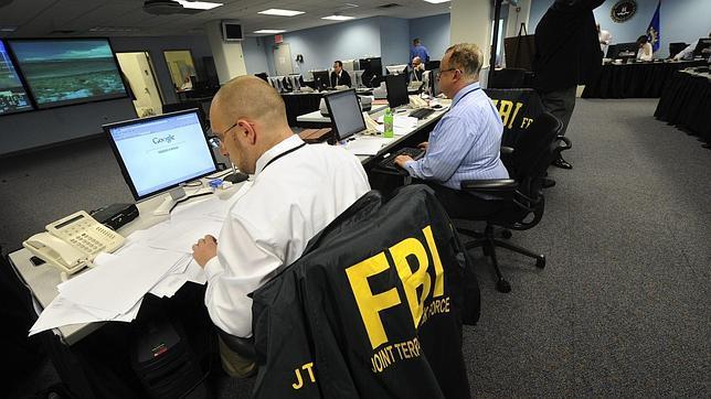 El FBI quiere una aplicación que vigile Facebook y Twitter