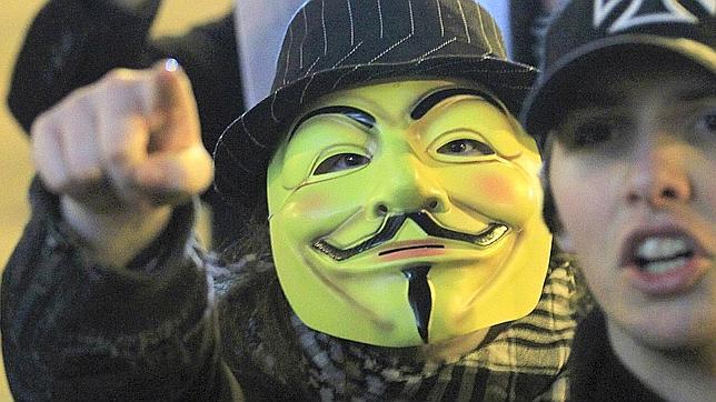 Anonymous publica datos privados de Sinde y Wert