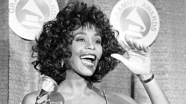 Whitney Houston, la voz más galardonada y envidiada
